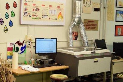 创客空间如何选用小型激光切割机?
