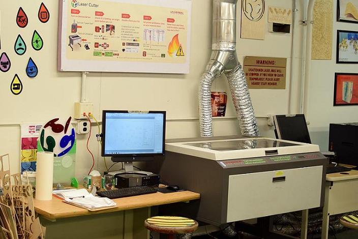 创客空间使用的小型激光切割机