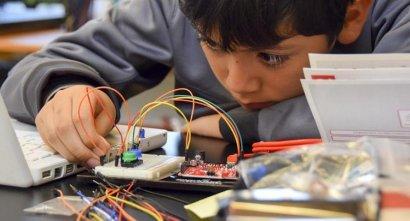 中小学校开展创客教育如何培训老师