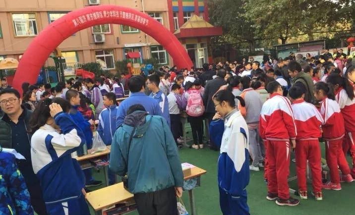 济南市槐荫区青少年科技节暨创客节开幕