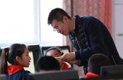 上海市罗星中学许烨:热衷于创客课程建设