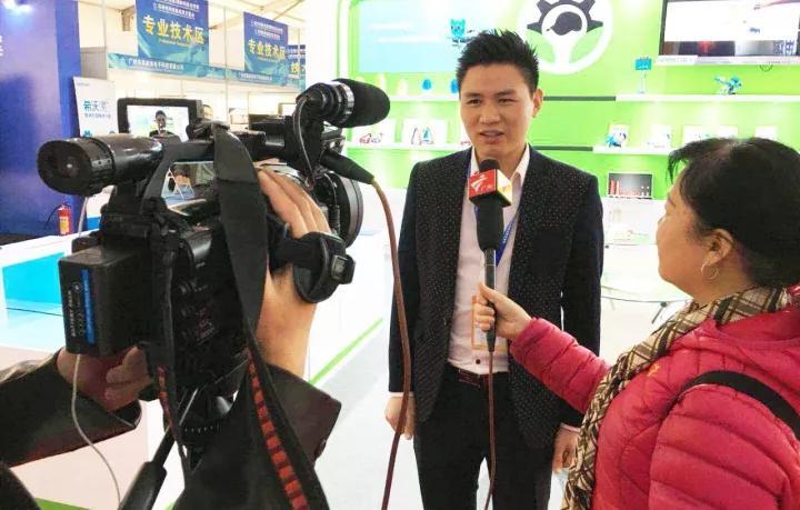 少年创客接受广东卫视采访报道