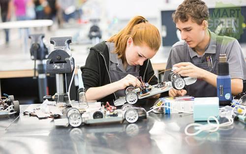 超6成家长愿意为孩子选择科创课程:科创教育到底有什么好?