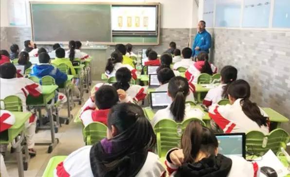 长青藤教育STEP创客课程走进中国农业大学附属中学