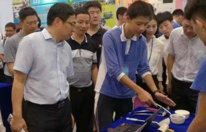 深圳市龙岗第二职校创客作品获省第一名