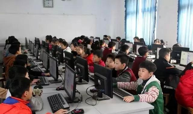 创客教育走进河南省平顶山矿小