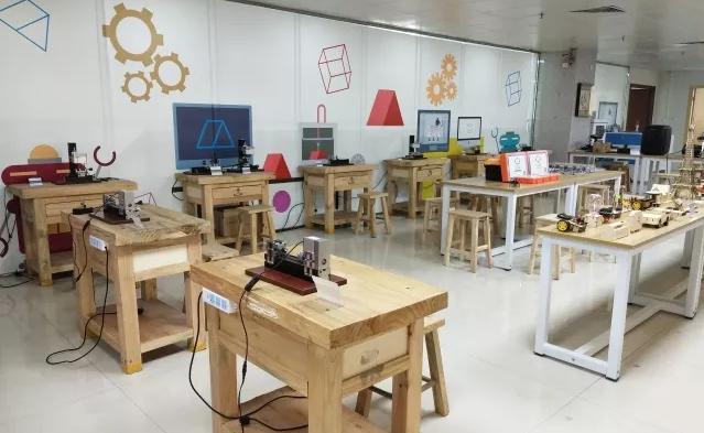 中小学校园创客教育实验室效果图