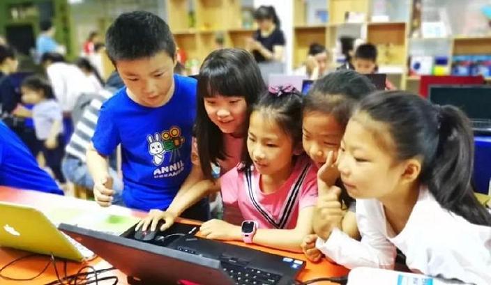 中小学创客教育课堂