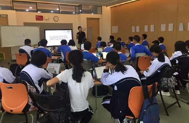 创客教师在授课分享区上课
