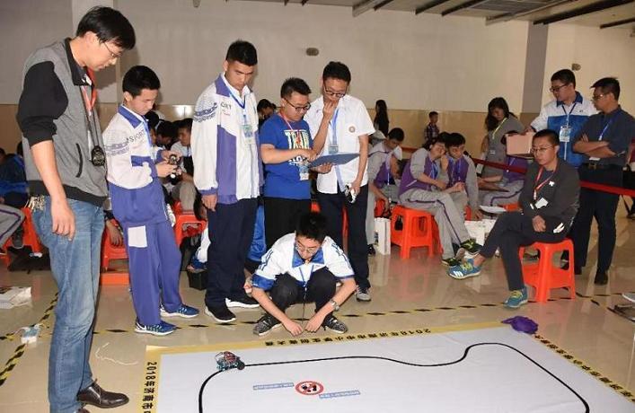 山东省滨州市首届中小学创客节举办