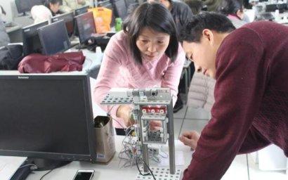 郑州市举行创客教育示范校培训