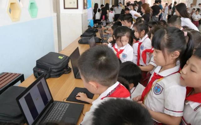 学校被评为广东省青少年机器人竞赛博佳专项奖