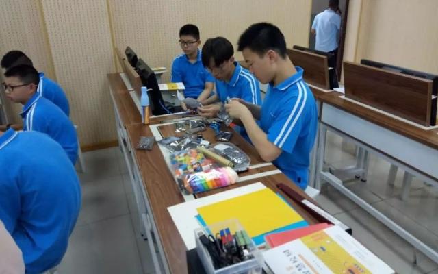 湖北省武汉市江汉区举行创客进校园