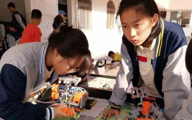创客教育引领教育革命,新店中学在行动