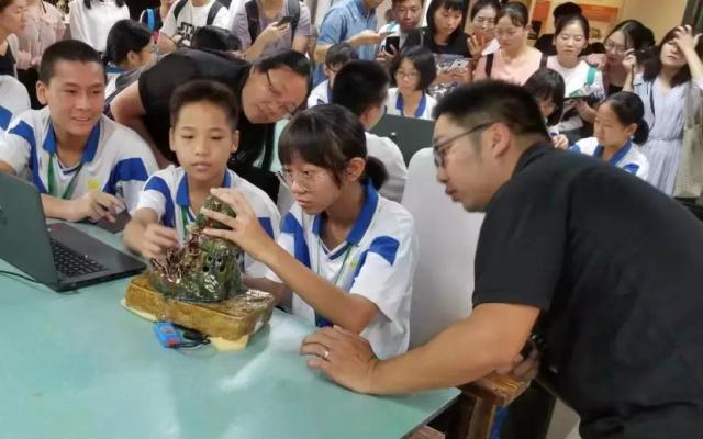 宁波市江北区积极推进中小学创客教育